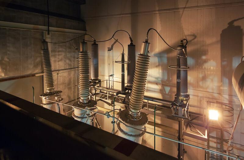 Aisladores eléctricos de alta tensión